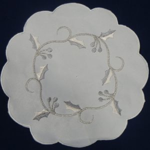 "Silver vine 8"" round (20 cm) pair of mats"