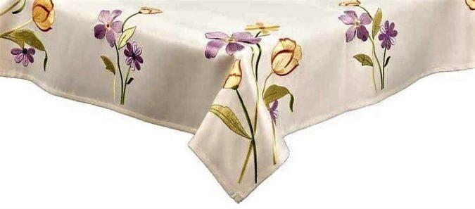 Joyce floral stems tablecloth