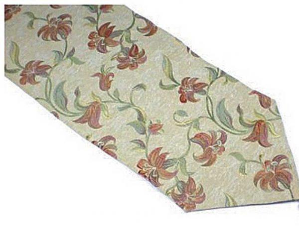 Terracotta lily table runner