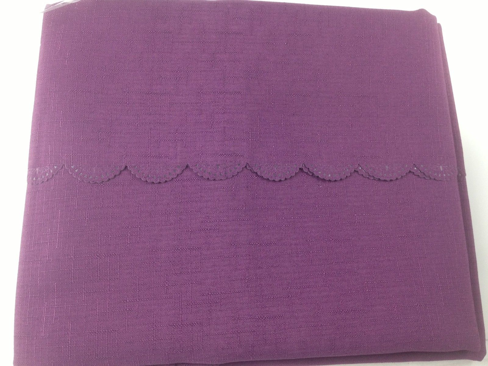 Shell Tablecloth Aubergine 137x178cm Oval