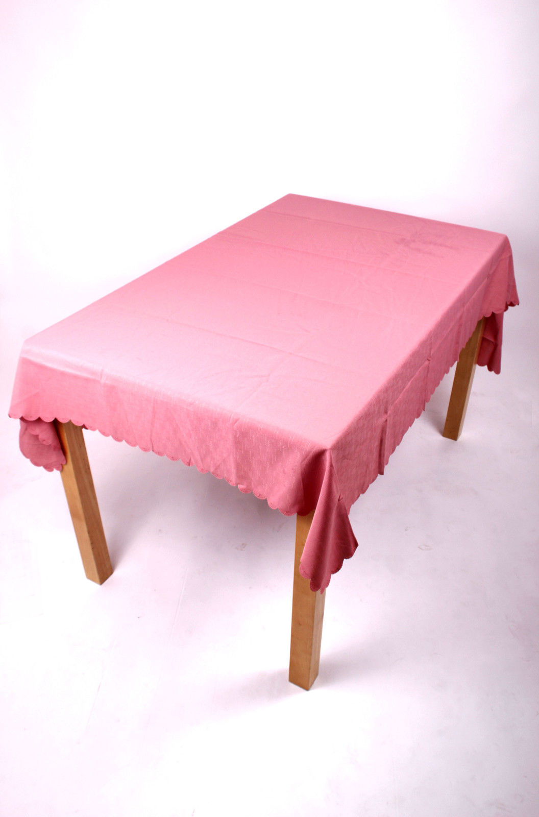 Shell Tablecloth Dusky Pink 137x229cm Oval