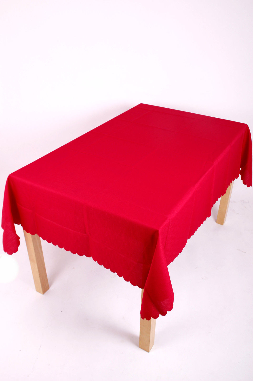 Shell Tablecloth Red 137x229cm Oval